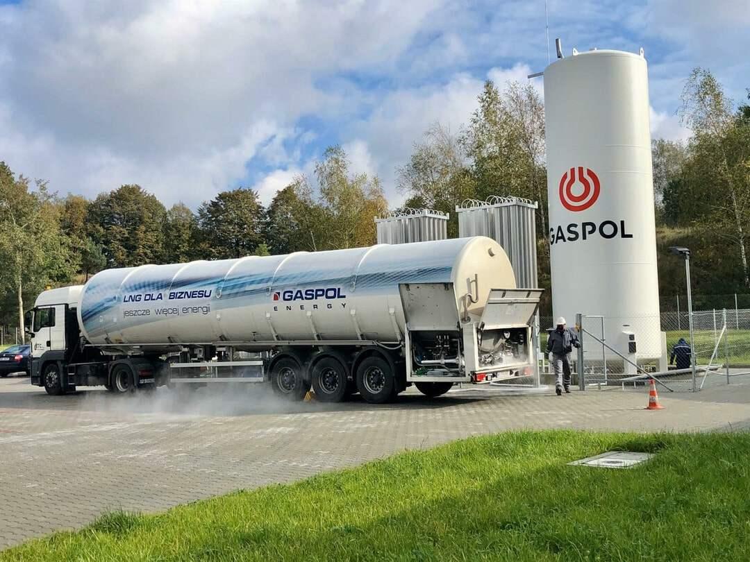 LNG první plnění u zákazníka